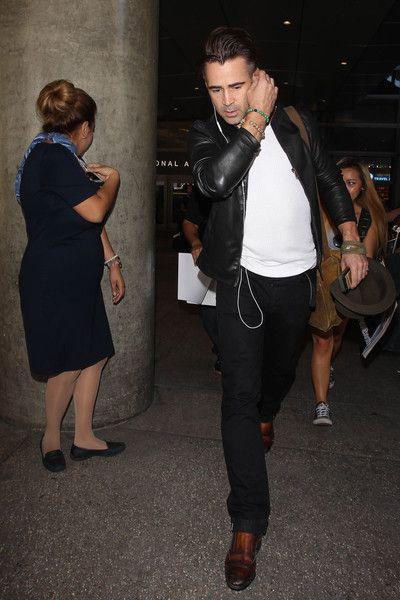29.08.2015 - Colin Farrell Arrives at LAX - Zimbio