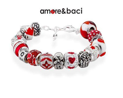 Amore & Baci offre collezioni d'argento componibili per uno stile personale e irripetibile.