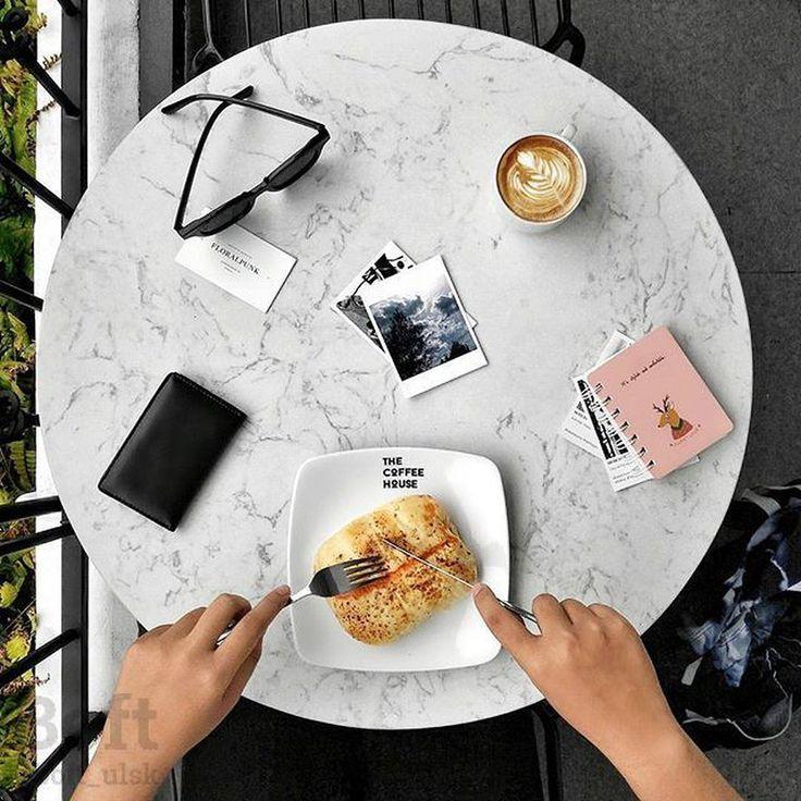 А вы знали что в одной порции попкорна всего 150 калорий? А ещё он объёмный и его много не съешь поэтому его можно считать диетическим продуктом! Для тех кто на каникулах или в отпуске напоминаем что сегодня воскресенье - идеальный день чтобы прогуляться по любимому ТЦ посмотреть кино и распечатать ещё пару любимых фотографий в автомате BOFT.  #boft #ulsk #ulyanovsk #ульяновск Фото: @kulzkid