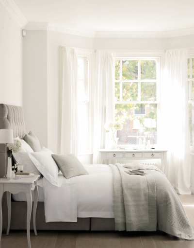 Bedroom colors - with a little more modern end accessories