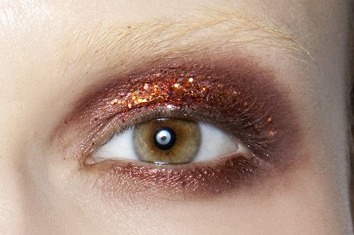 Try out a more adventurous eyeshadow color this party season ○ THE OUTNET
