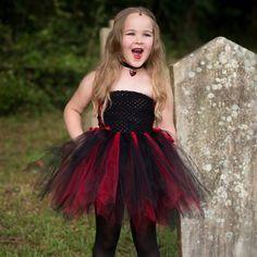 Tutu Röckchen zum Vampir-Kostüm für kleines Mädchen selber machen