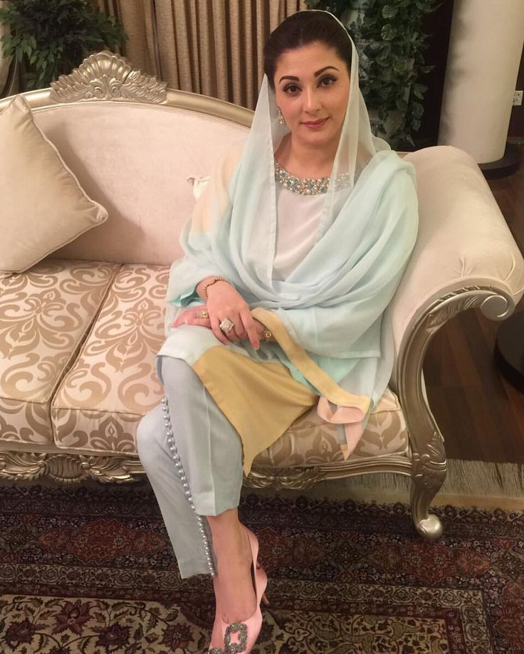 Maryam Nawaz Sharif looks beautiful in Ammara Khan at a state dinner tonight.The solid spring tones are lovely! Classic, timeless design and sophistication that the brand is well known for.  #ammarakhan #pureluxury #maryamnawazsharif