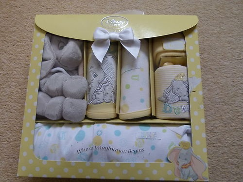 I need to find this for Meela lol.Dumbo Baby Set