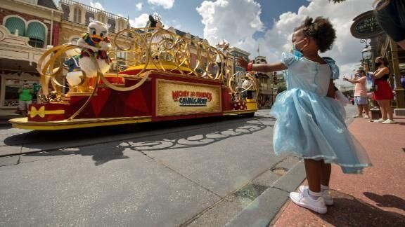Disney World Tightens Mask Requirement A Week After Reopening Us World News Kctv5 Com In 2020 Disney World Halloween Disney World Disney World Parks