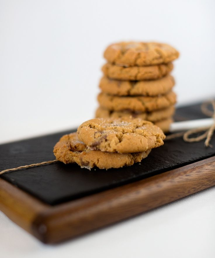 World's Best Peanut Butter Cookies! From the Magnolia Bakery Cookbook - Bet you can't eat just one.