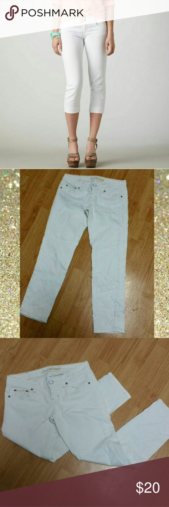 AE Artist Short/Crop Denim, super low rise, true to size without alot of stretch Artist Cut pant. Says regular but runs at crop length 25-26inc inseam. Only worn once but I'm too petite for these crops. Great condition!!! American Eagle Outfitters Jeans Ankle & Cropped