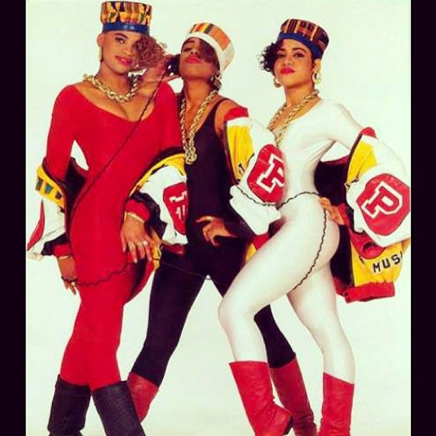 Salt-N-Pepa. Old school hip hop. Favorite female hip hop group of all time.