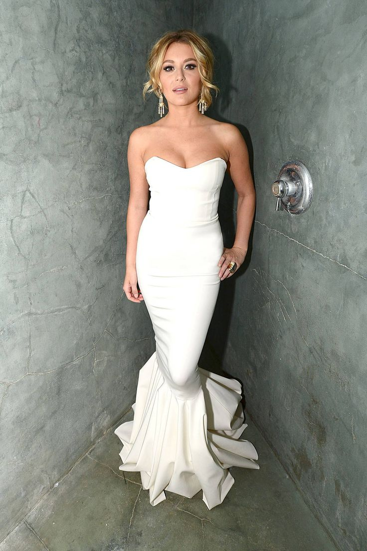 Alexa Vega - Love The Dress(: