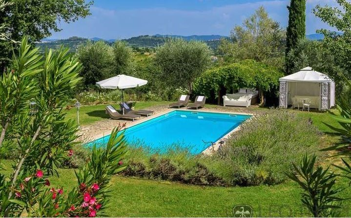 http://www.leotrippi.com/en/luxury-villas/italy/sienna/sien2675.html #luxury #villa