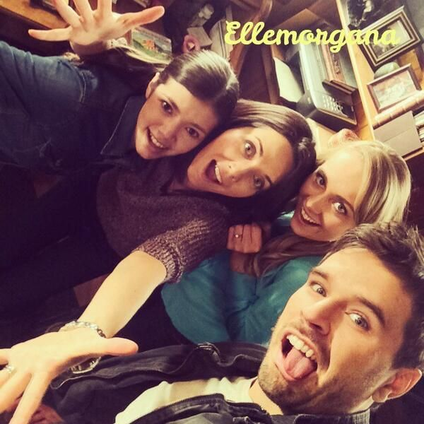 Alisha, Michelle, Amber, and Graham on the set of season 8