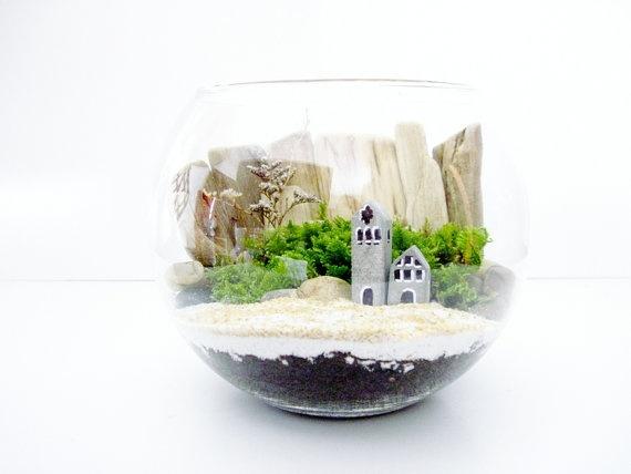 112 best fantasy gardens fairy container gardens images for Pot en verre deco