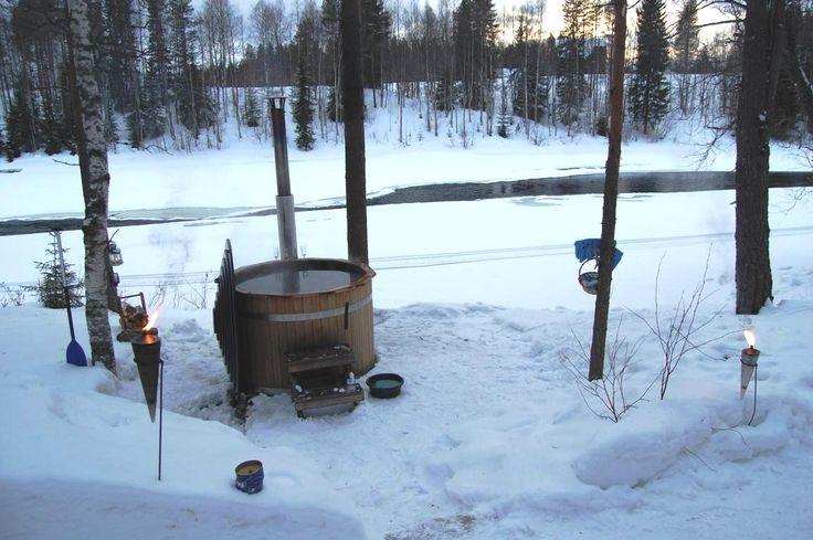 Hot-Tub at the beach, hirvipirtit lapland cabins, Taivalkoski, Lapland, Finland www.hirvipirtit.fi