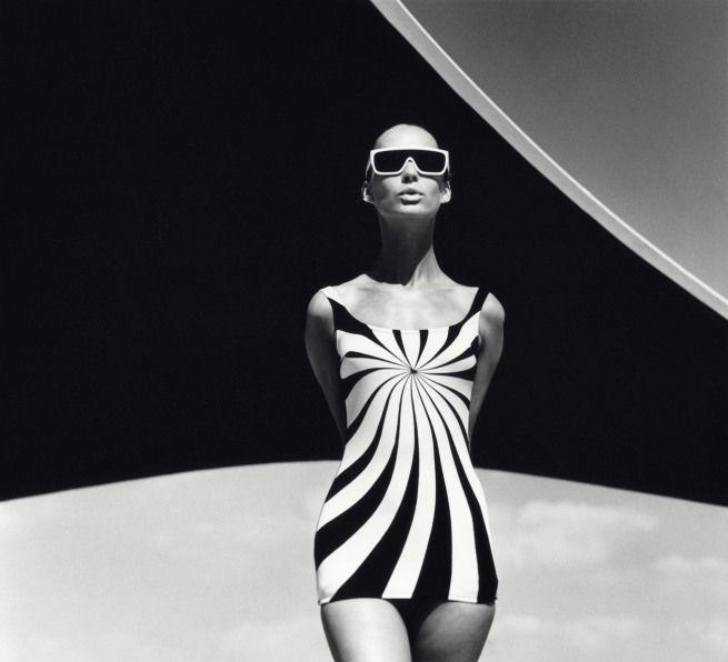 F.C. Gundlach, Op Art bathing suit by Sinz, #Vouliagmeni #Greece, 1966. Gelatin-silver print. © F.C. Gundlach Hamburg. From the exhibition concrete – photography and architecture, fotomuseum winterthur, Zürich, 2013.