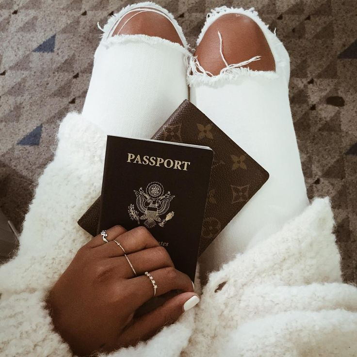 """Greece > LA ✈️ / wearing @shop_sincerelyjules"""