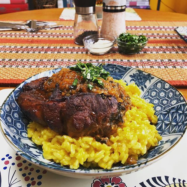 Bank holiday special : Ossobuco slow-cooked in the oven with #instantpot Risotto Milanese. Because even though its April the weather is still reminiscent of winter! #HomeMade #MangiaBene #TalesFromNW
