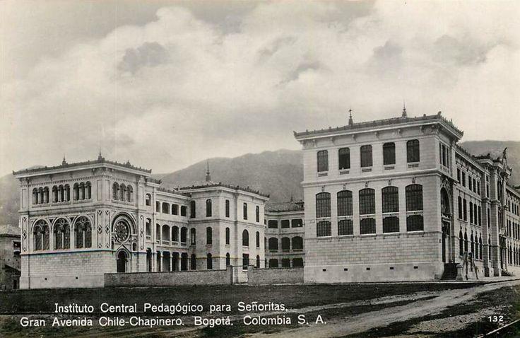 Instituto Central Pedagógico para Señoritas. Av Chile con carrera 11 en Bogotá, hacia 1950.