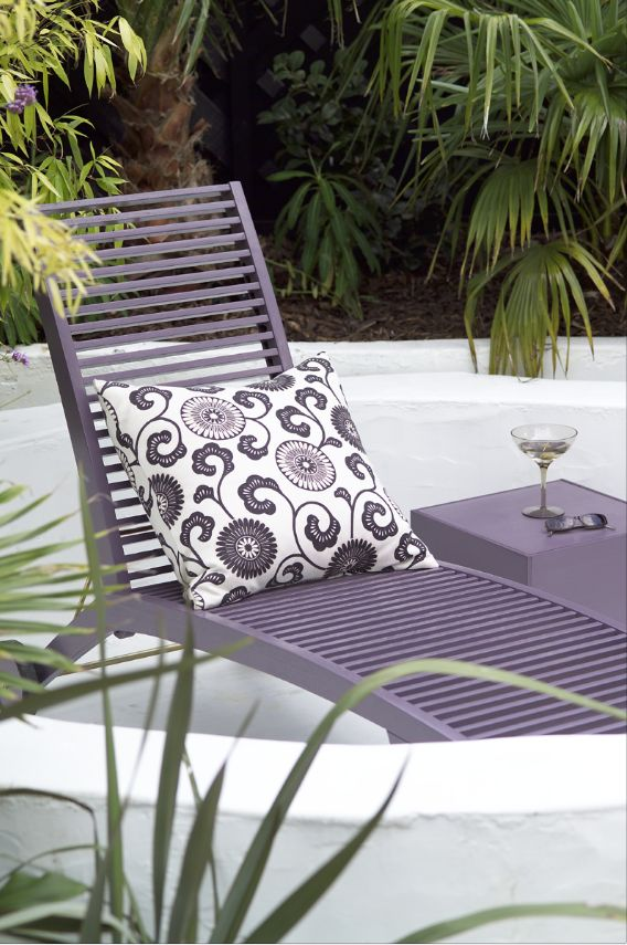 17 best images about nos coups de coeur po tic on pinterest gardens cont - Peindre chaise plastique ...