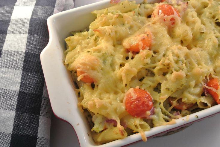 Pasta-ovenschotel met bloemkool en pesto