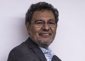 Élmer Mendoza: El detective de mis novelas es un ejemplo para la policía mexicana