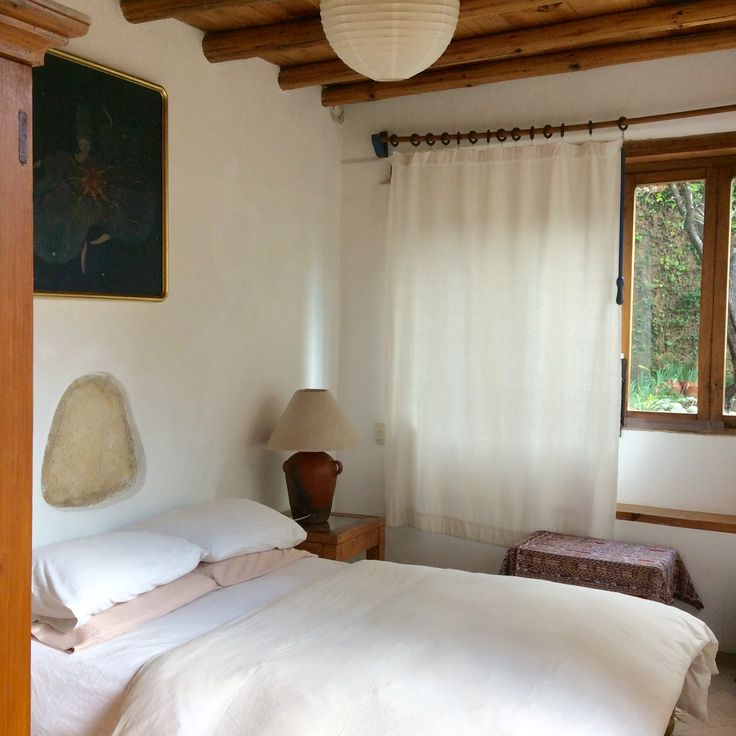 Welcome to book ARTIST HOUSE CASA TINTANATIVA. First floor guest bedroom.