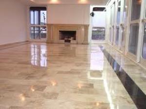 Cómo limpiar el suelo de mármol
