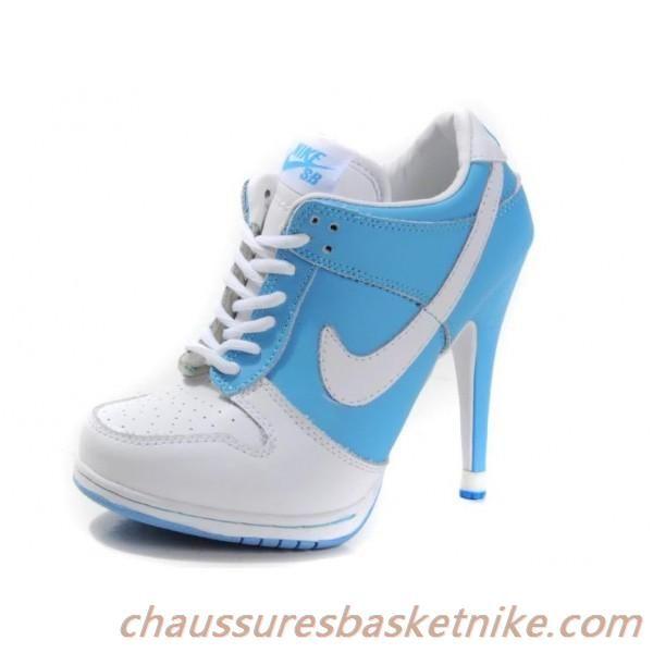 Talons de haute couture pour les filles Nike Dunk SB pas cher Bleu Blanc
