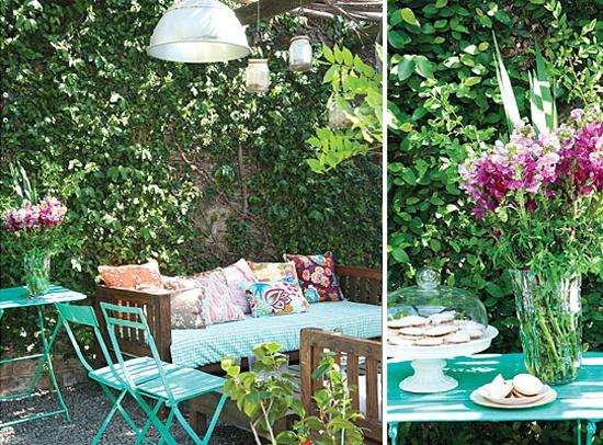 Image Via: My Paradissi  #Alfresco #Entertaining: The Garden, Much Colors, Backyard Patio, Gardens Corner, Deco Hom, Outdoor Living, Deco Outdoor, Al Patio, Outdoor Spaces