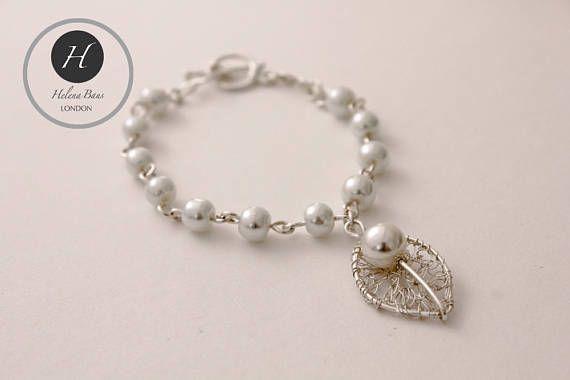 Silver Pearl leaf bracelet, bridal silver pearl skeleton leaf bracelet, handmade crochet leaf wedding bracelet gift for bridesmaid mother