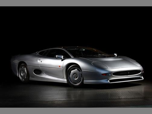 Perfect Jaguar XJ220
