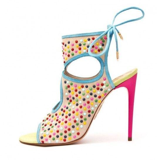 Dalla collezione primavera estate 2013 di scarpe Aquazzurra, sandali con perline colorate