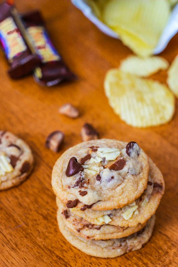 Toffee Potato Chip Chocolate Chip Cookies (9 of 1)