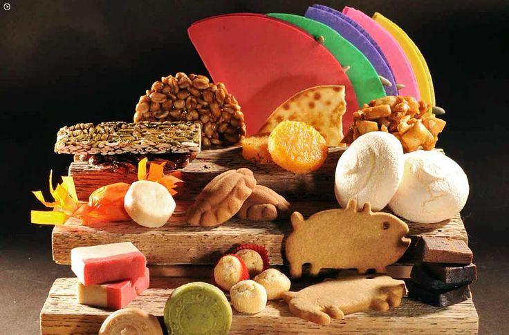 """Dulce tradición mexicana. Nuestros dulces típicos orgullosamente mexicanos son una de las expresiones del arte popular más ricas que podemos degustar. El arte de la """"dulcería"""" es una antigua tradic…"""