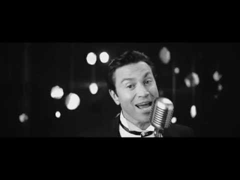 MARIO FRANGOULIS - JINGLE BELLS - OFFICIAL MUSIC VIDEO