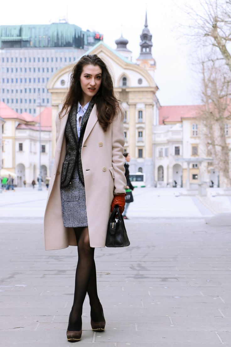 Fashion blogger Veronika Lipar of Brunette From Wall Street on how to wear the mini skirt to office if you are twenty something