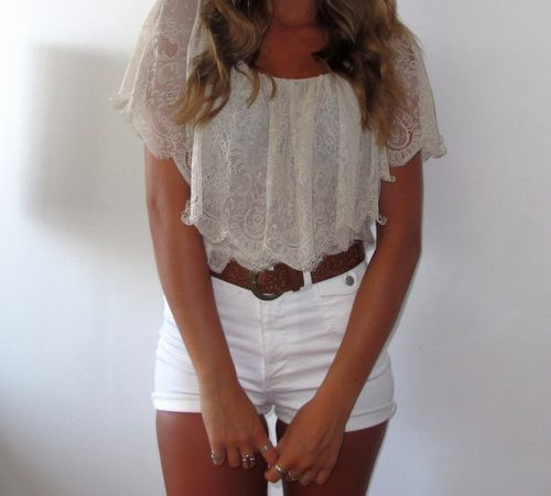 high waisted shorts: Lace Tops, White Shorts, Summer Looks, Crop Tops, Cute Outfits, Cute Summer Outfits, Highwaist, Summer Clothing, High Waist Shorts