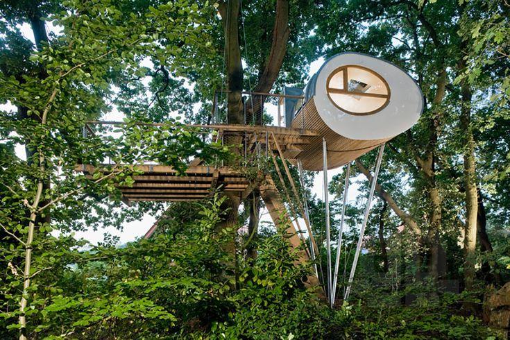 Baumraum Treehouse Djuren 1 - TheCoolist - The Modern Design Lifestyle Magazine