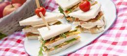 Sandwiches met omelet parmaham