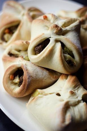 Bierocks (German Hamburger- and Cabbage-filled rolls). Photo by bunnybum