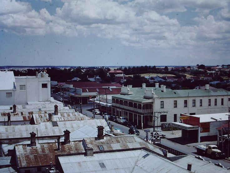 Commercial Street West, Mount Gambier c1955
