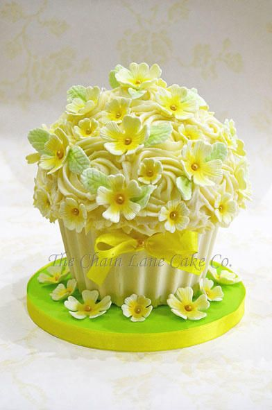 Best 25 Giant Cupcake Cakes Ideas On Pinterest Giant