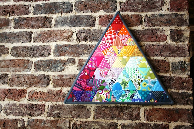 Triangle quilt!: Rainbows Triangles, Quilts Inspiration, Minis Quilts, Google Search, Triangles Minis, Art Quilts, Equilat Triangles, Quilts Ideas, Triangles Quilts