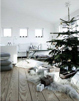 læg skind under træet!!!! ser så godt ud!