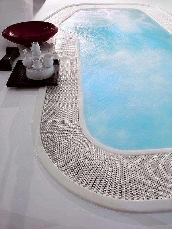Overflow hot tub 4-seats POOL FARAWAY by Kos by @zucchettikos #design Ludovica Roberto Palomba