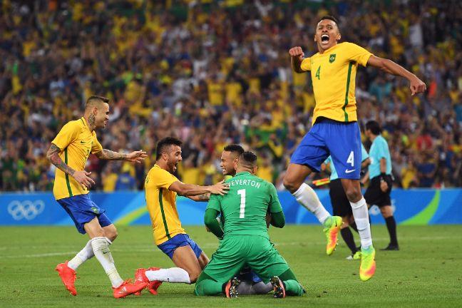 Não falta mais nada: futebol brasileiro conquista o ouro