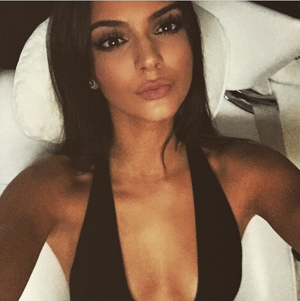 This Is Why Kendall &, Kylie Jenner's Selfies Always Look So Perfect