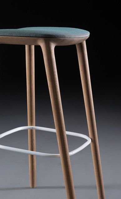 Stool : leManoosh