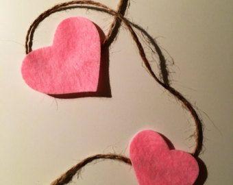 Guirnalda de corazones de música vintage por ThePathLessTraveled