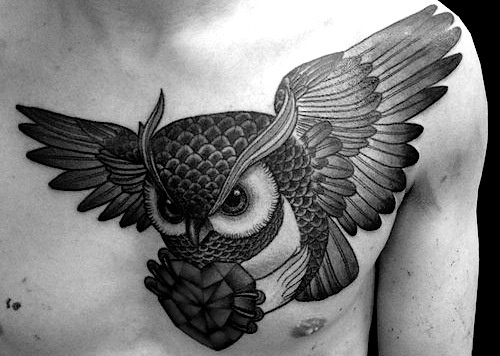 Owl carrying a heart shaped diamond. #ink #inked #tattoo #tattoo