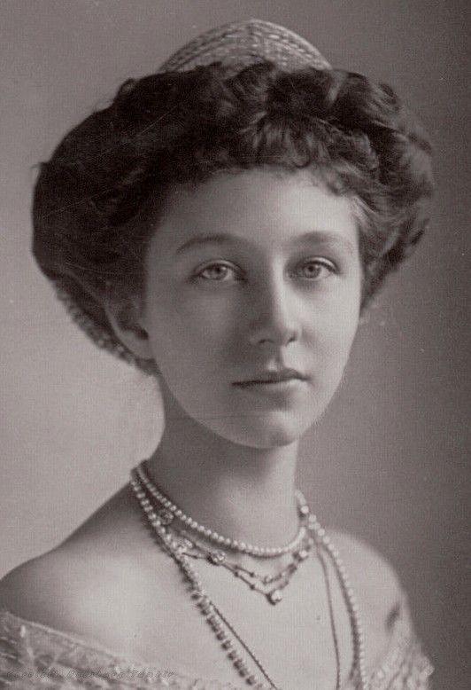 Princess Ernest Augustus of Hanover, neé Princess Viktoria Luise of Prussia. 1913.